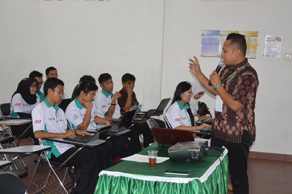 Persiapan Mahasiswa STIKOM Tunas Bangsa pada Seminar Nasional di Asahan 2017